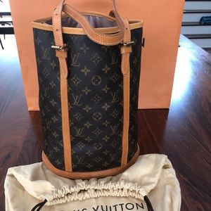 BEAUTY🌹Louis Vuitton GM huge Bucket tote RELINED